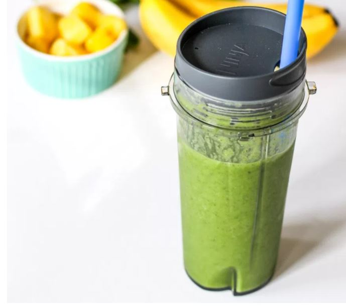 Healthy detox green smoothie